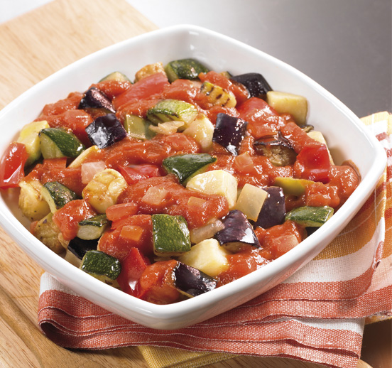 Pisto con salsa de tomate